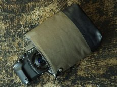Photo1: Camera Pouch [Cella] (1)