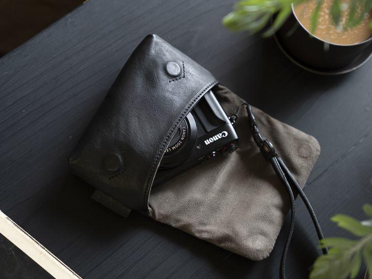 Photo1: Leather Camera Case [CUSCINO] (1)